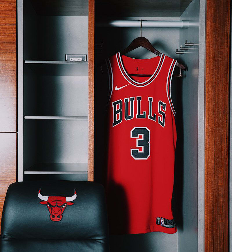 chicago-bulls-nike-jersey-home-front