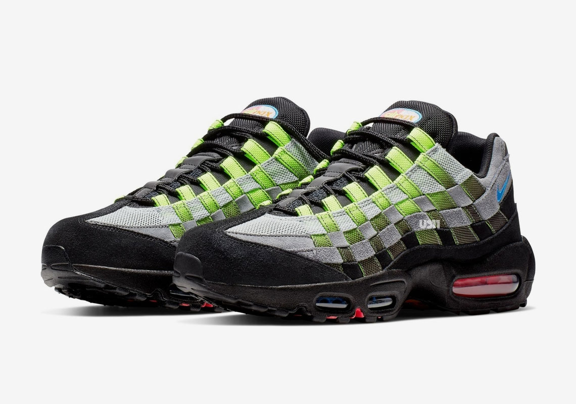 05d110542ae nike-air-max-95-woven-black-green-6 - SneakersBR